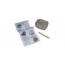 Kosmos Minerals & Fossils meglepetés kőzet